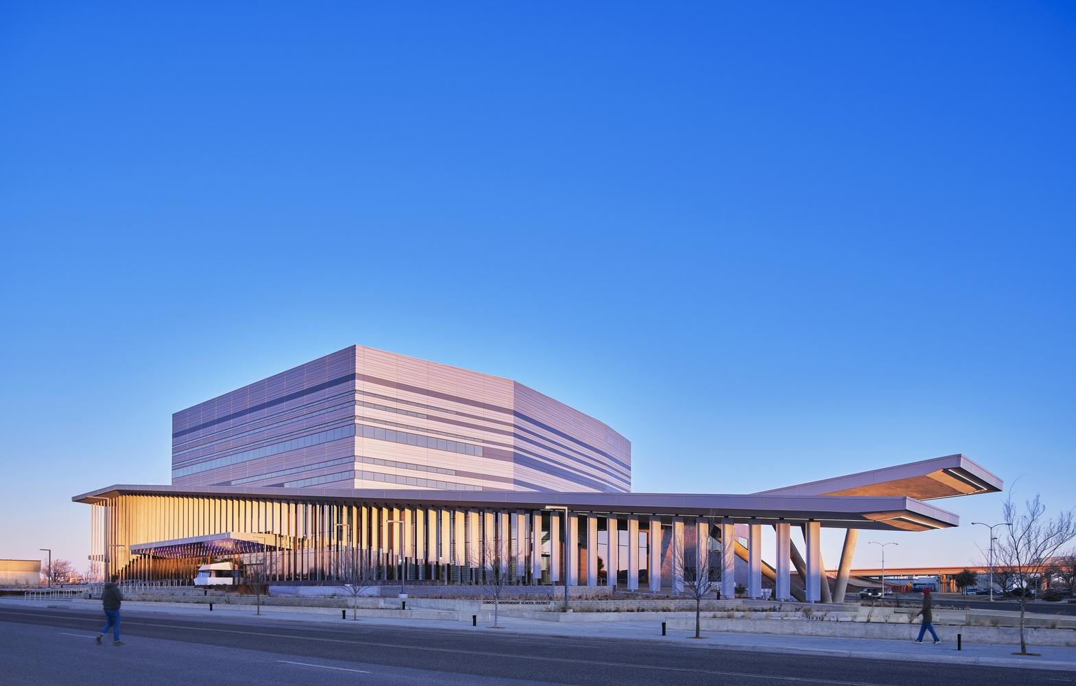 Buddy Holly 表演艺术与科学大厅,成为将城市充满活力的表演艺术社区