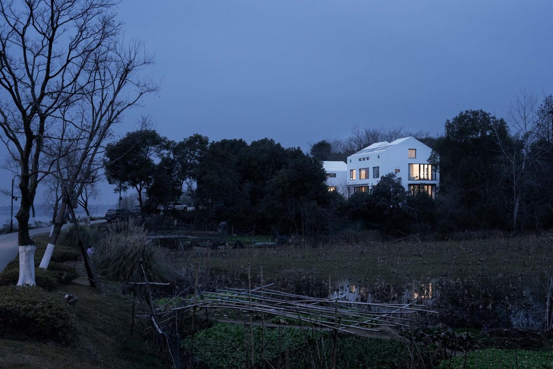武汉东湖峦舍,设计将引入景观引入人.jpg
